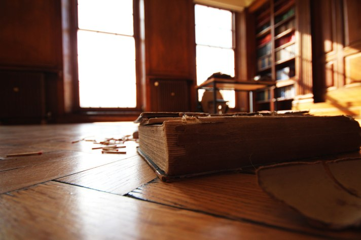 Book-of-Sand-Library-shoot-2-552